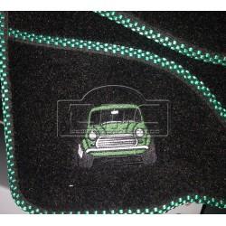 Juego alfombras bordado verde